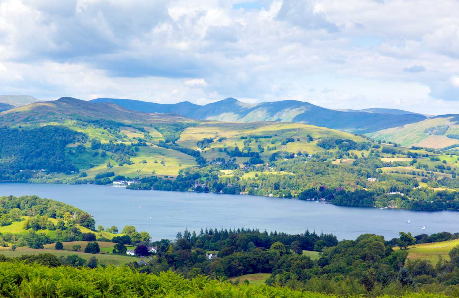 <span>Late availability cottages in Cumbria and The Lake District</span> - Save up to 60%